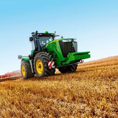 John Deere обновил флагманские модели тракторов
