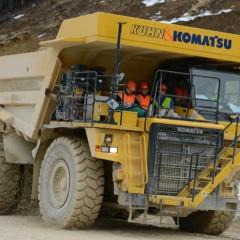 Komatsu представила карьерный самосвал HD 605-7 с электродвигателем