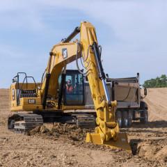 Caterpillar начал продажи двух новых экскаваторов CAT 330 и 330 GC