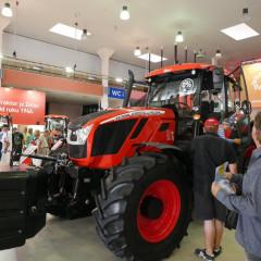 Zetor представил новую флагманскую модель трактора Crystal 170