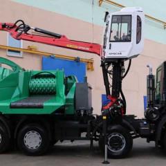 Представлена новая спецмашина МАЗ-6944C9 для измельчения древесины