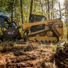 Caterpillar выпустила компактный гусеничный погрузчик Cat 299D2 XHP Land Management