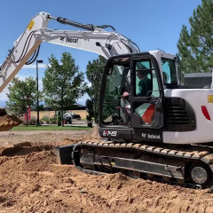 Bobcat представила свой новый 14-тонный экскаватор E145